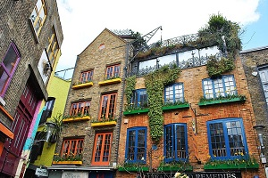 Travel to Neal's Yard with Chiltern Railways