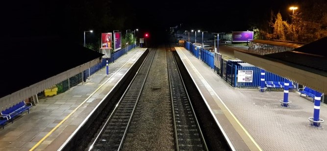 Chiltern Railways roll out LED lighting across their route