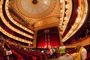 Travel to the Royal Opera House with Chiltern Railways