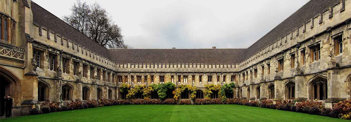 Flock to Magdalen College in Oxford with Chiltern Railways